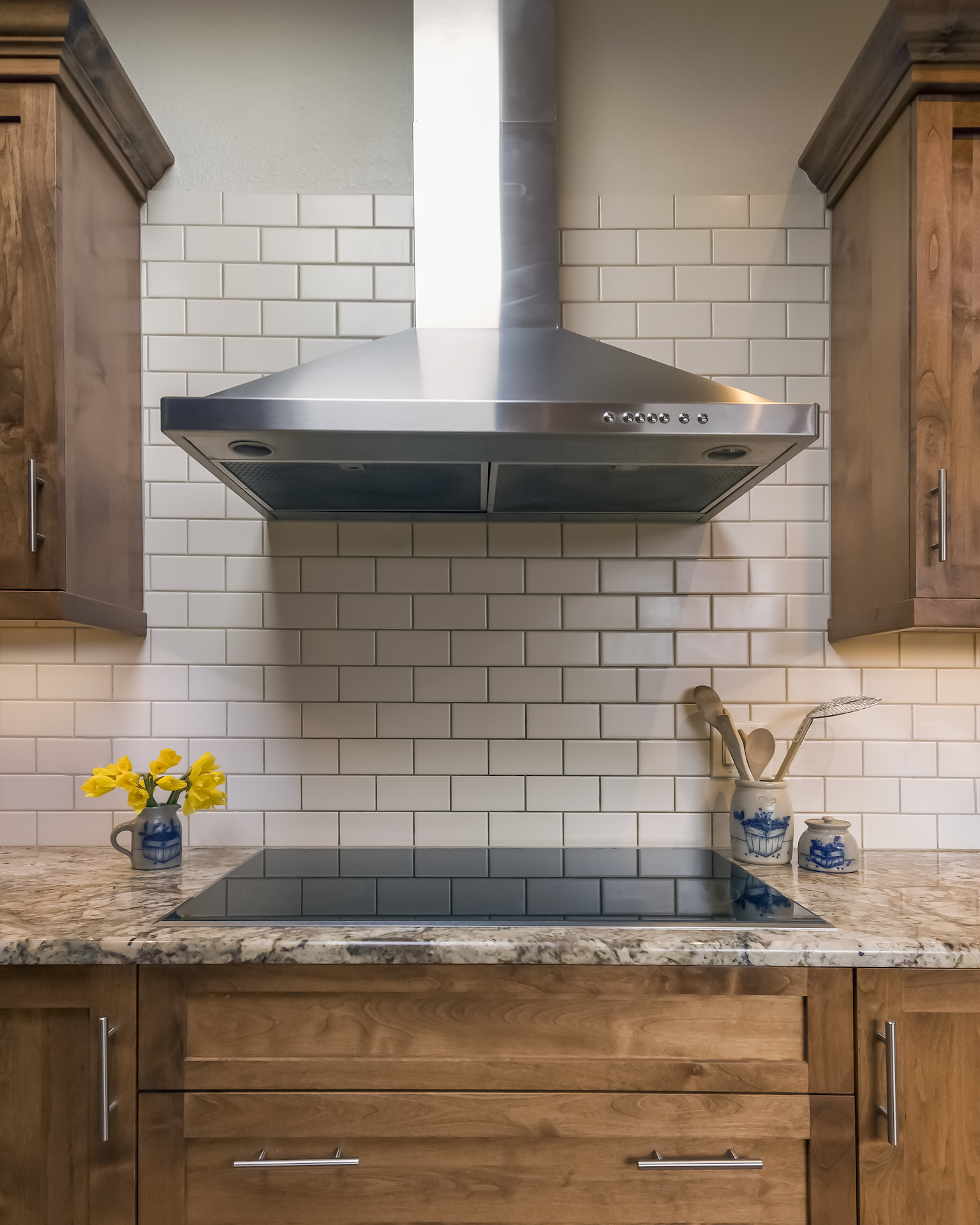 Before and after mountain modern kitchen transformation for Mountain kitchen designs