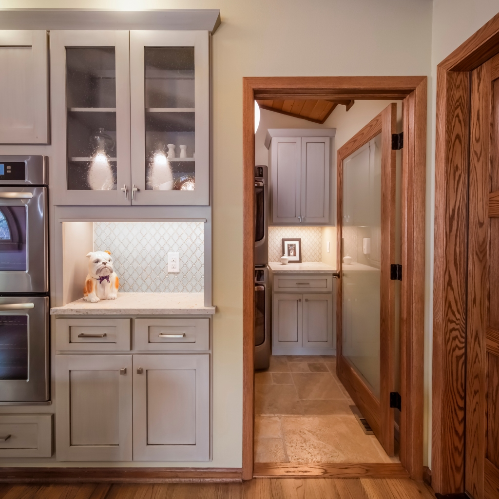 Laura Medicus Eclectic Kitchen and Laundry