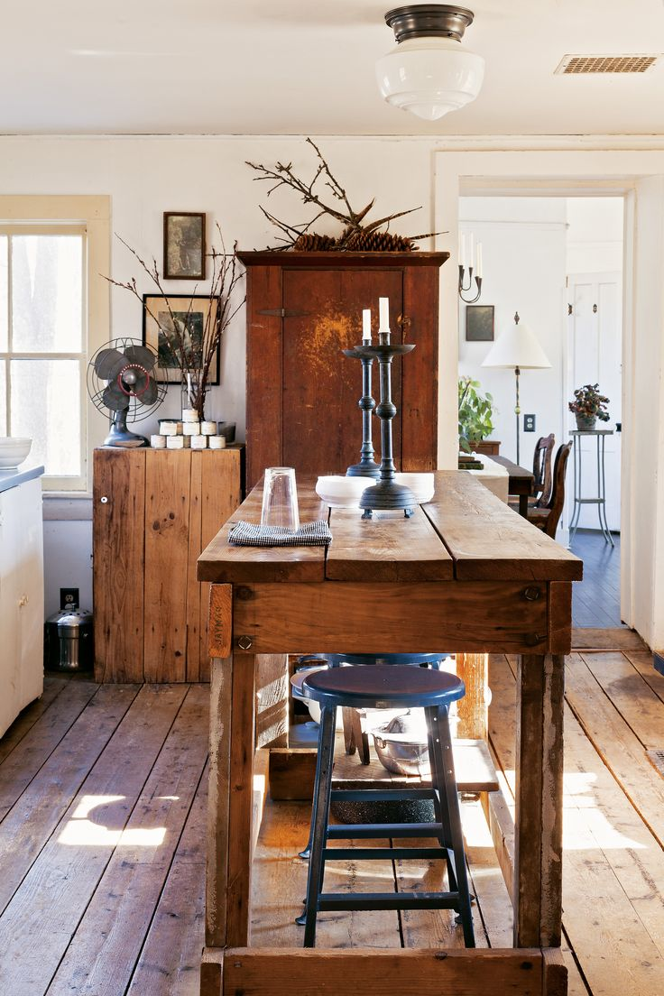 The island life adding rustic to charm to your kitchen for Farmhouse style kitchen table
