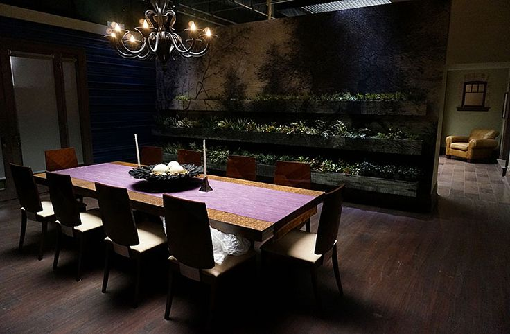 hannibal dining wall