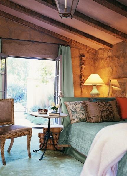 Saldino Bedroom