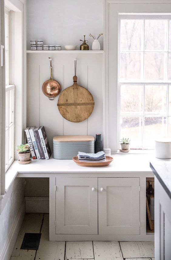 kitchen-peg-farmhouse