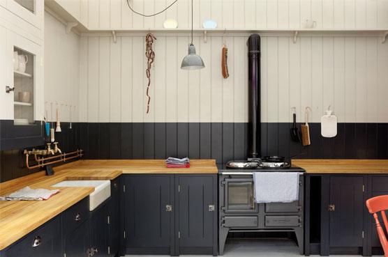 Shaker pegs custom kitchen