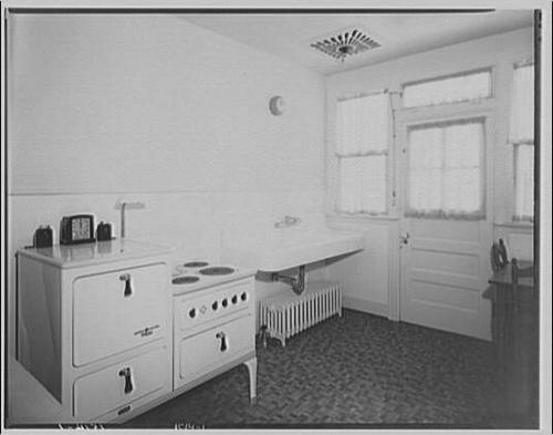 1920s 1930s Kitchen