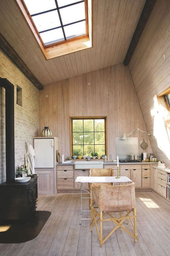 pale-wood-kitchen