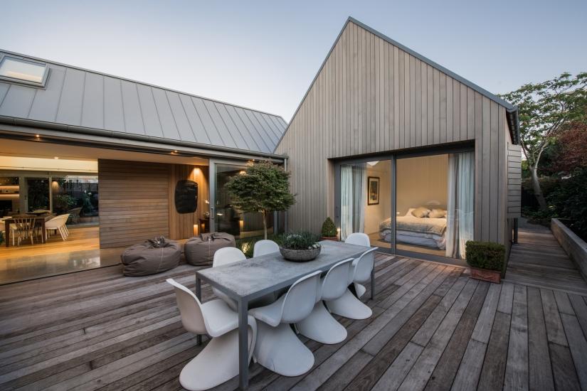 minimal deck design