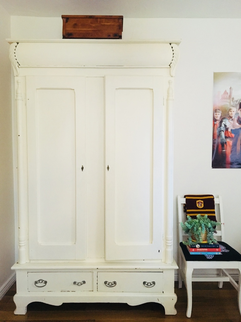children's room armoire