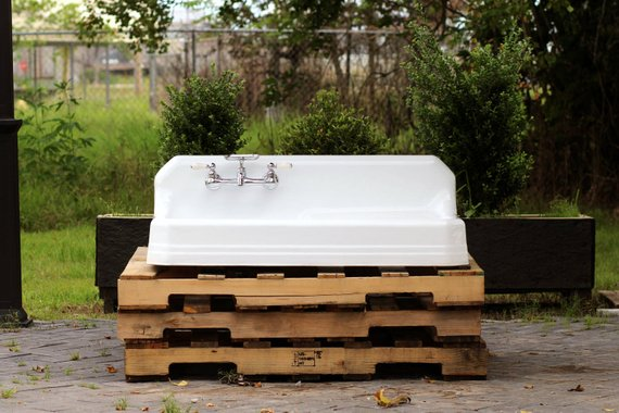 farmhouse sink with a drainboard