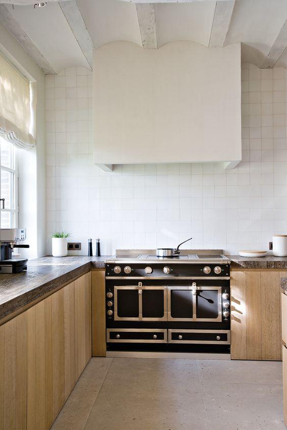 Un Kitchening The Kitchen 7 Ways To Hide A Kitchen Hood