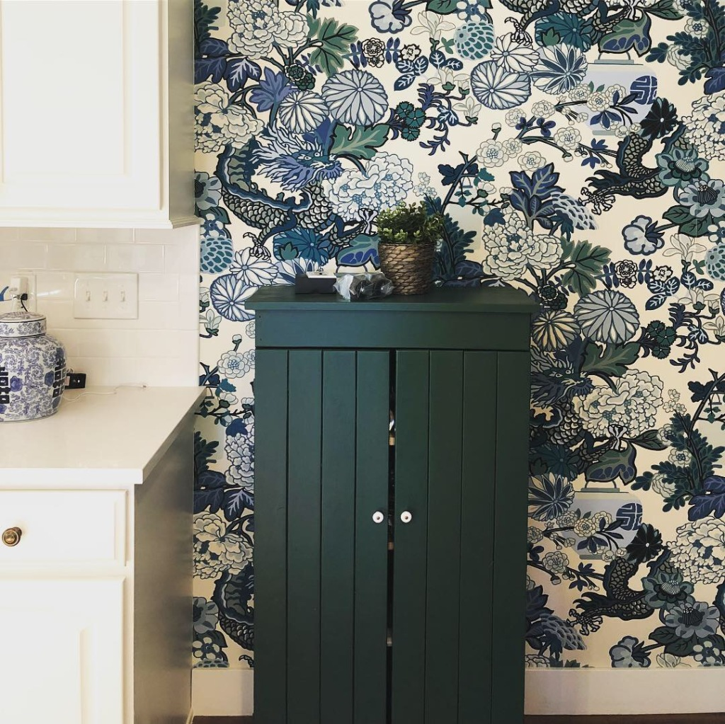 wallpaper in a kitchen