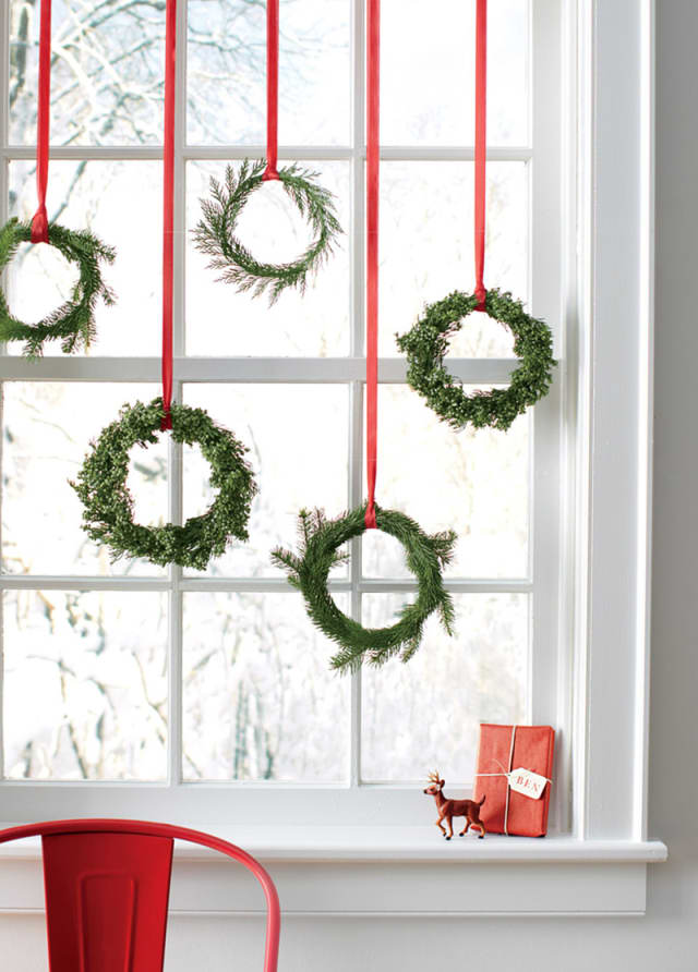 simple wreath design