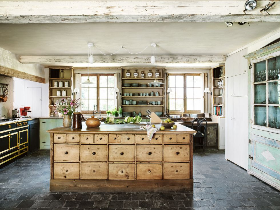 farmhouse-kitchen-wood