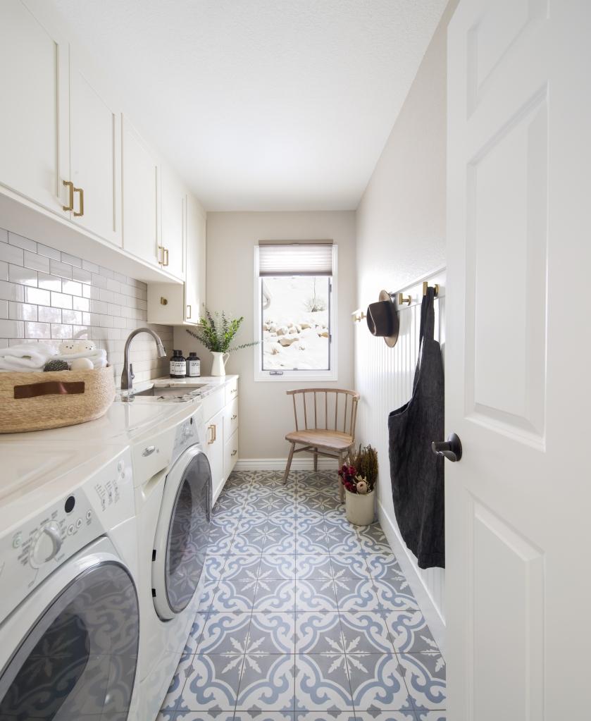 white laundry patterned floor