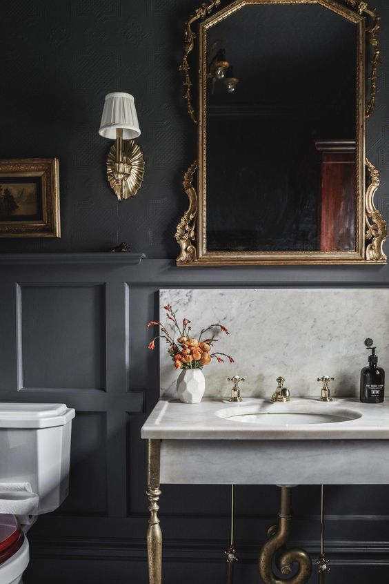 gray paneling bathroom